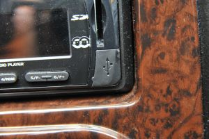 吉利英伦TX4 USB接口