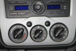 长安之星 中控台空调控制键