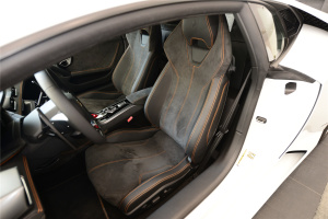 Huracan驾驶员座椅图片