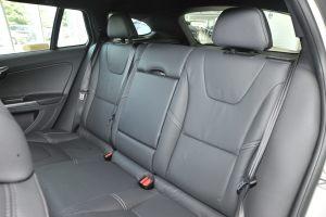 沃尔沃V60后排座椅图片