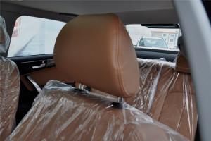 中华H530               驾驶员头枕