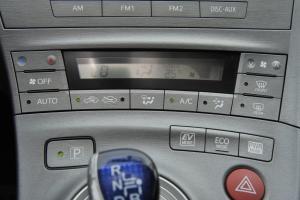 普锐斯 中控台空调控制键