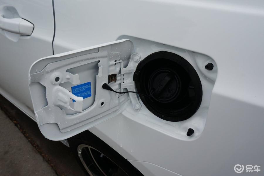 旗舰型油箱盖汽车