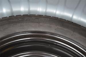 北汽E系列三厢 备胎品牌