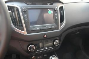 ix25中控台驾驶员方向