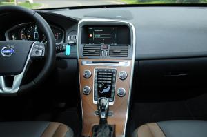 沃尔沃XC60中控台正面图片