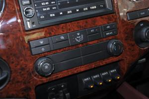 乔治·巴顿 中控台空调控制键