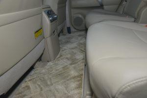 汉兰达2012款 3.5L 自动 四驱 豪华型 7座 外观紫钻黑