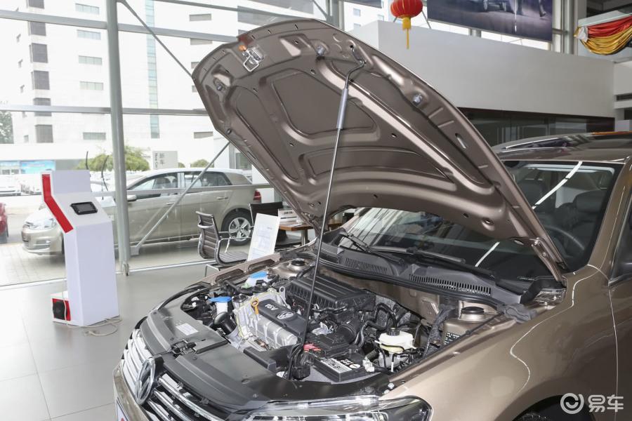 豪华型发动机盖开启汽车-】图片