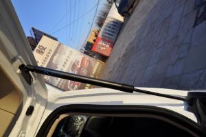 野马F16                行李厢支撑杆