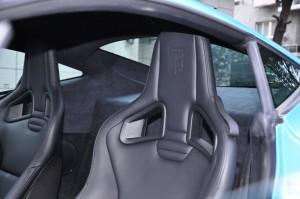 Artega GT 驾驶员头枕
