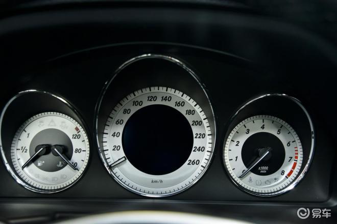 奔驰GLK级(进口)奔驰GLK级(进口)仪表盘