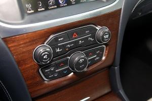 进口克莱斯勒300C 中控台空调控制键