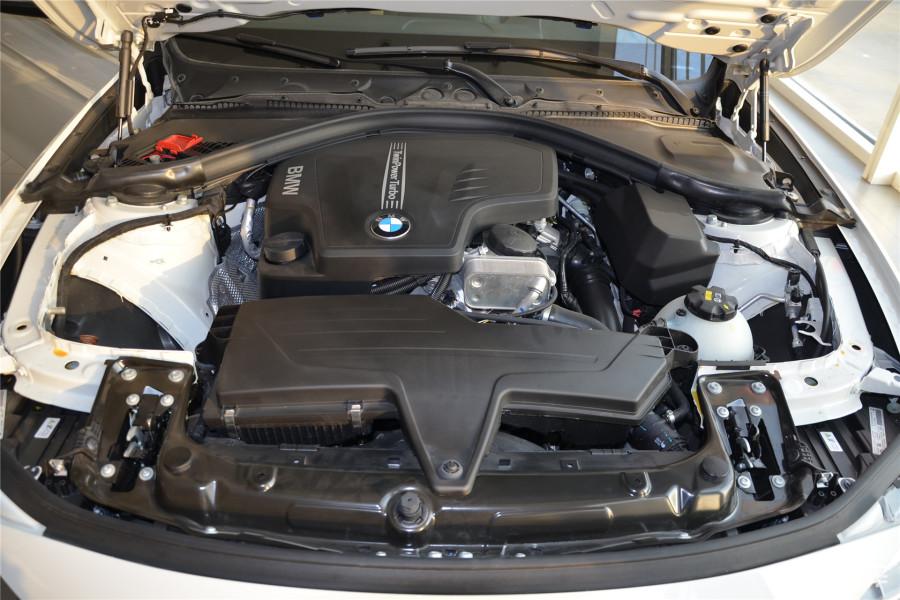 宝马汽车发动机内部结构图