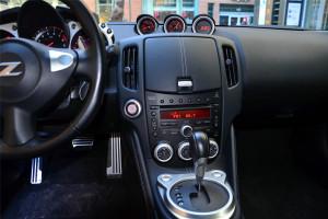 日产370Z中控台正面图片