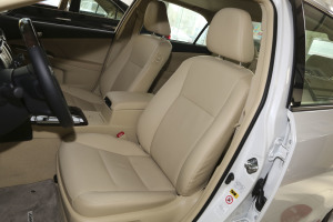 凯美瑞驾驶员座椅图片