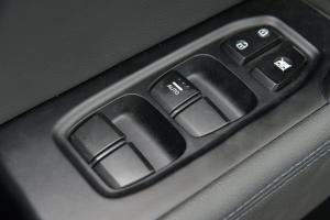 ix25车窗升降键