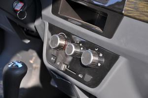 T30 中控台空调控制键
