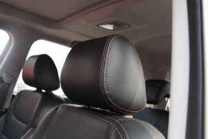 长安CS35驾驶员头枕图片