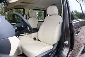 华颂7驾驶员座椅图片