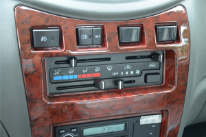 长安跨越新豹2 中控台空调控制键
