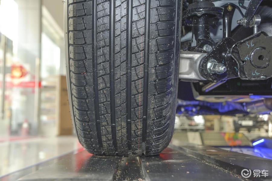 智悦型mt轮胎花纹汽车图片