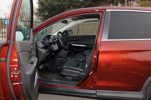 CR-V前排空间