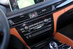 进口宝马X6 M 中控台音响控制键