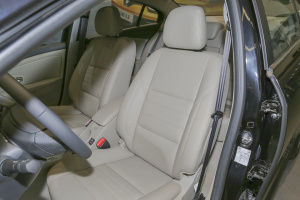 风朗驾驶员座椅图片