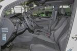 Golf R前排空间图片