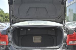 吉利EC8 行李箱空间