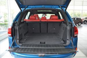 进口宝马X5 M 行李箱空间