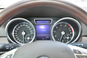 奔驰GL级(进口)仪表 图片