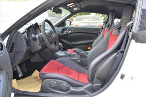 日产370Z 前排空间