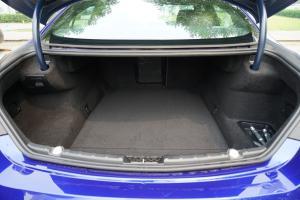 进口宝马M6 行李箱空间