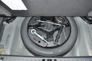 沃尔沃S80L 备胎