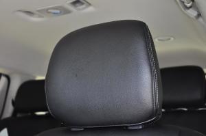 mu-X                 驾驶员头枕