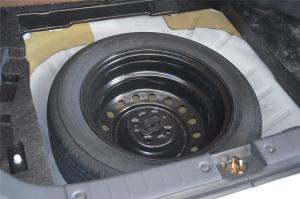利亚纳A6两厢              备胎