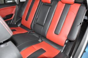 广汽GX6 后排座椅