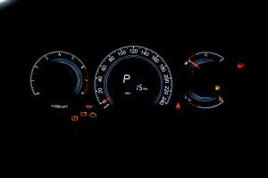 纳智捷大7 SUV 仪表盘背光显示
