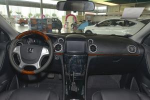 纳智捷大7 SUV 完整内饰(中间位置)