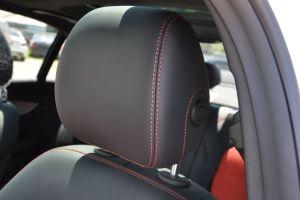 奔驰C级AMG(进口)驾驶员头枕图片