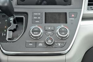 进口Sienna           中控台空调控制键