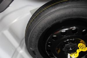 荣威360备胎品牌图片
