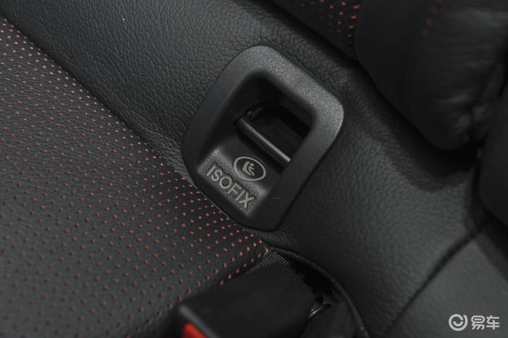 > 奔驰gla级amg儿童座椅安全带锁