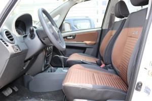 天语SX4两厢前排空间图片