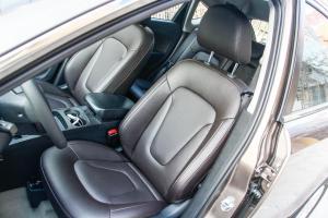 奔腾X80驾驶员座椅图片