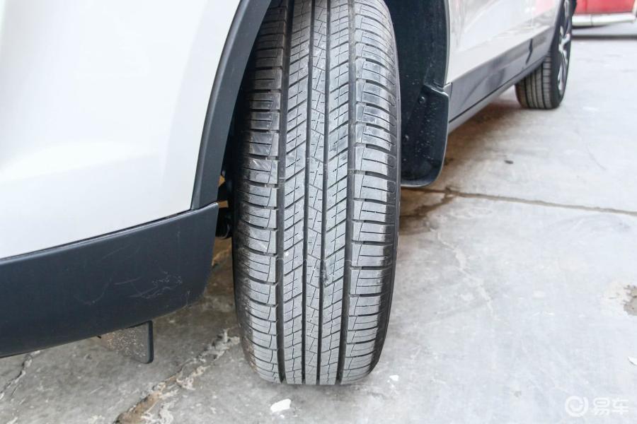 8t 自动 运动型轮胎花纹汽车图片
