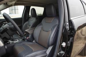 自由光驾驶员座椅图片