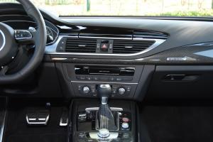奥迪RS7中控台正面图片